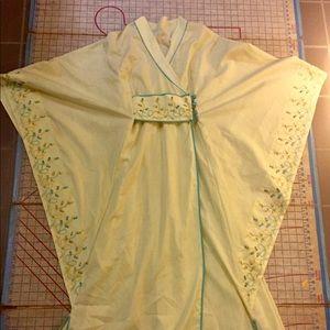 Vintage Kimono robe size Sm/med